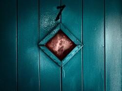 kings_rest_door_01_02-FLAT